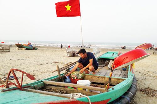 Hà Tĩnh: Bám biển câu mực, ngư dân Nghi Xuân thu tiền triệu mỗi ngày