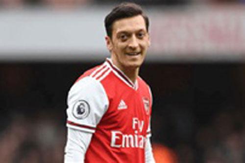 Ozil có thể ngẩng cao đầu khi rời Arsenal