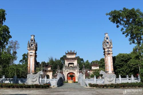 Chiêm ngưỡng nghệ thuật kiến trúc độc đáo của đền Nguyễn Xí