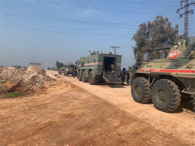 Cối xay thịt mang tên Syria đang sôi sùng sục: Quá nhanh và nguy hiểm - Ảnh 2.