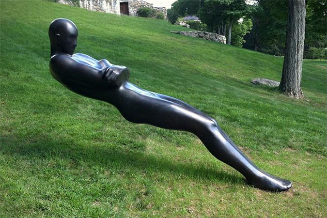 Những bức tượng kỳ dị thách thức tất cả các quy luật vật lý, khiến người ta có cảm giác càng nhìn càng thấy sợ hãi - Ảnh 13.