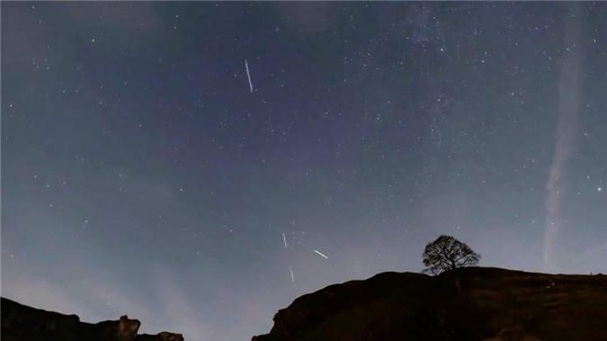 Những 'ngôi sao nhân tạo' khiến các nhà thiên văn học 'nổi đóa' - 4
