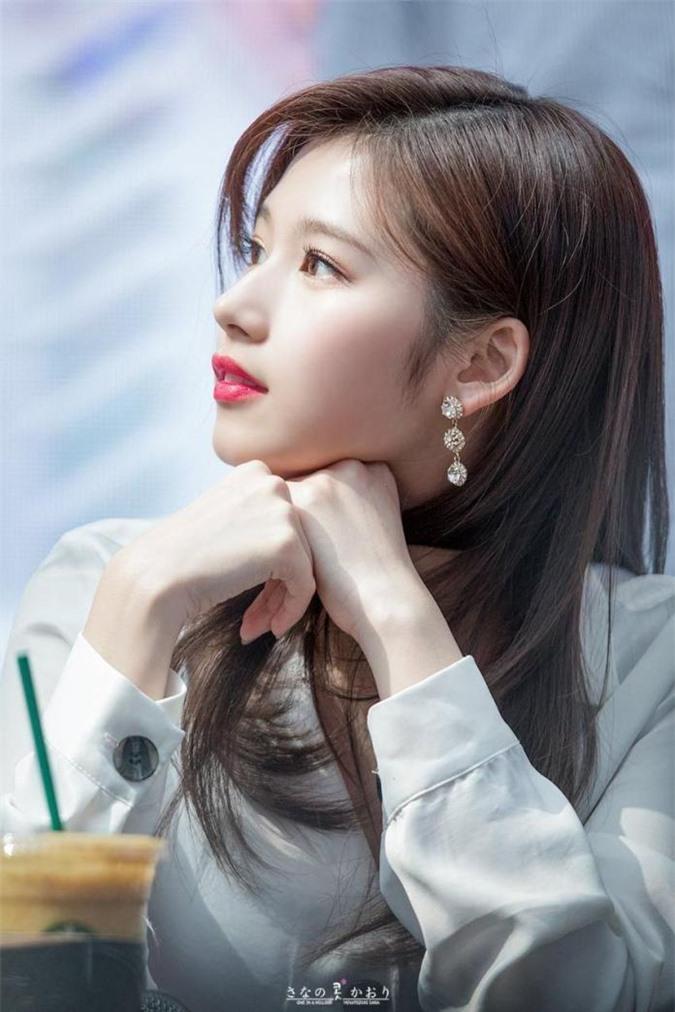 Top 5 nữ idol có sống mũi hoàn hảo, người đẹp nhất không phải Irene (Red Velvet) - Ảnh 2
