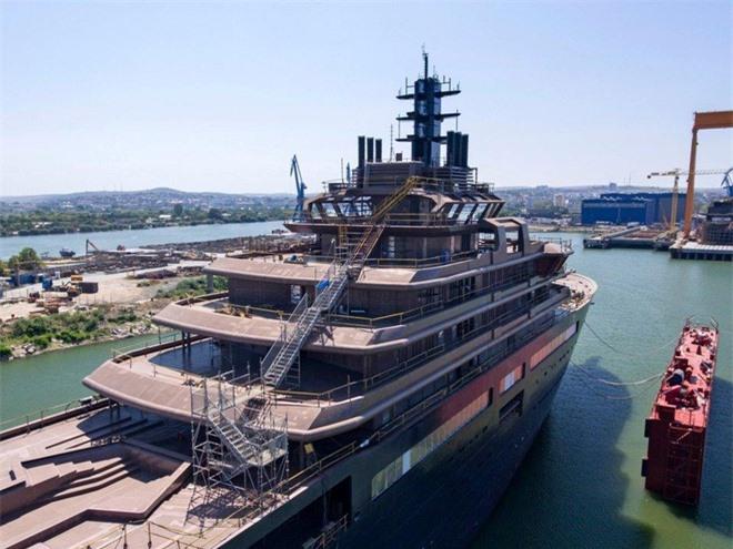 Tỷ phú dầu mỏ đóng du thuyền lớn nhất hành tinh - Ảnh 9.