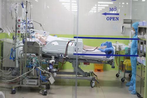 Bệnh nhân 91 đang được theo dõi, điều trị tại Bệnh viện Chợ Rẫy Thành phố Hồ Chí Minh. Ảnh: TTXVN.
