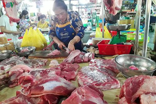 Giá thịt lợn tăng cao và đắt đỏ ở Cần Thơ