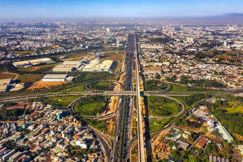 70% tổng nguồn vốn đầu tư cho giao thông thành phố giai đoạn 2010 – 2020 được tập trung cho phía Đông TP.HCM.
