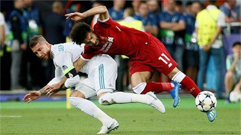 Cựu sao Liverpool loại Ronaldo, chọn Messi và 'đồ tể' Ramos vào đội hình mơ ước