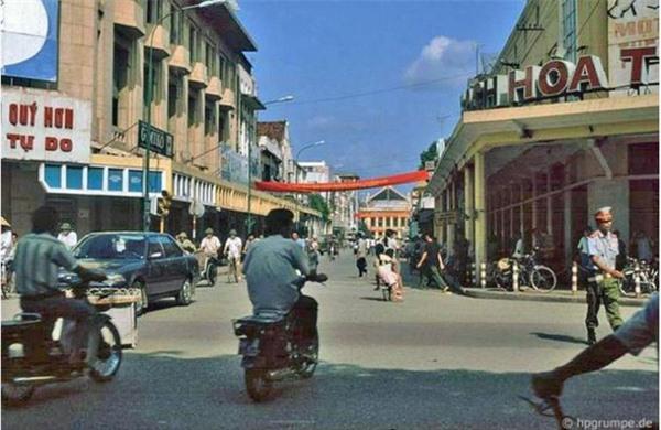 Những bức ảnh hiếm hoi về Hà Nội cuối thời kỳ bao cấp 5