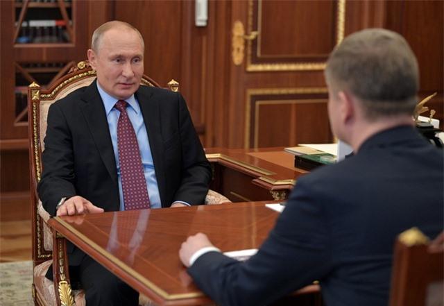 Tổng thống Putin bất ngờ trở lại Điện Kremlin - 1