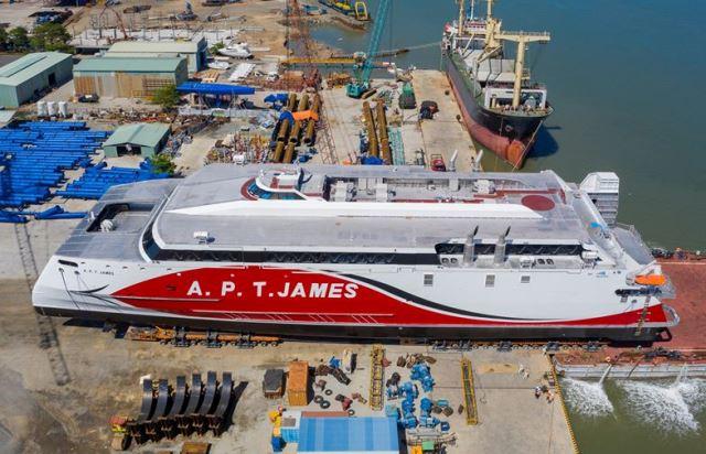 Tàu vỏ nhôm A.P.T.Janes.