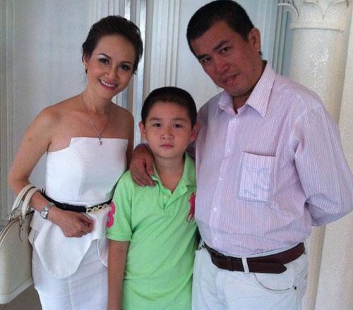 Vợ con của Nhật Cường hiện ở Mỹ.