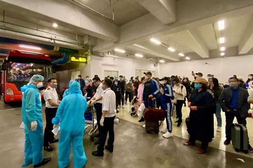 Siết chặt việc phòng lây nhiễm COVID-19 ra cộng đồng tại các sân bay