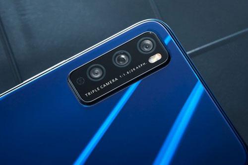 Smartphone 5G đẹp long lanh, RAM 8 GB, pin 4.000 mAh, giá 'hạt dẻ'