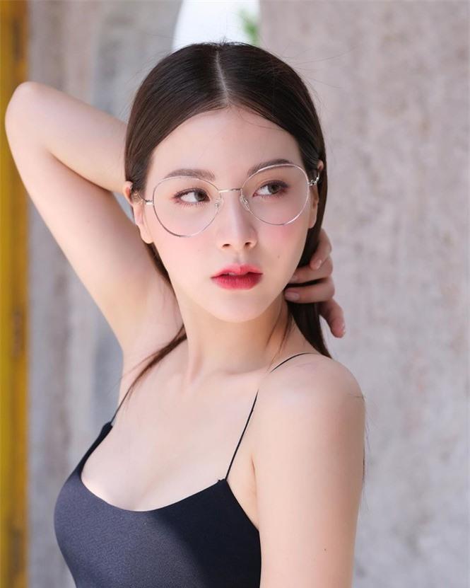 Mỹ nhân Thái phim 'Chiếc lá bay' sắc vóc gợi cảm không tì vết - ảnh 2