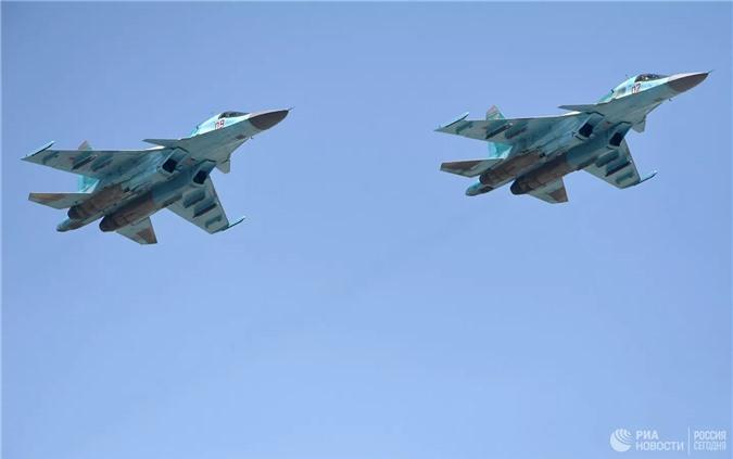 Truyền thông Trung Quốc bất ngờ 'khen' tiêm kích Su-34 của Nga