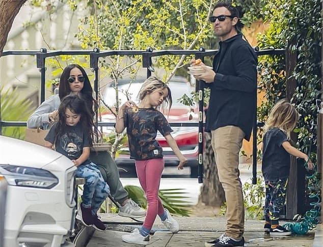 Vợ chồng Megan Fox chia tay, đằng gái hạnh phúc bên tình mới 0
