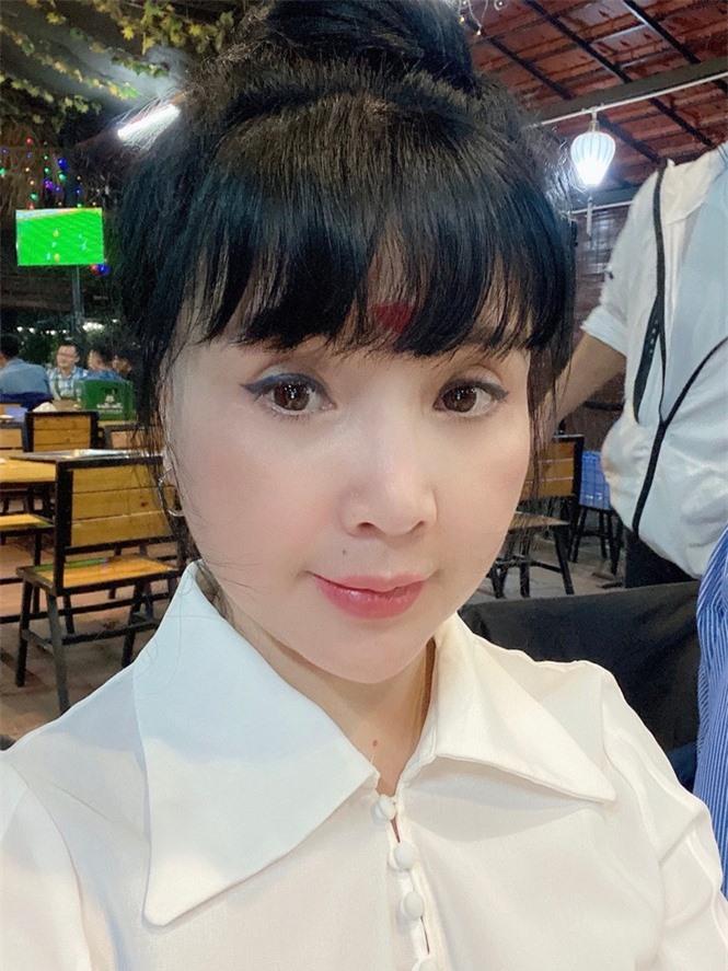 'Nhan sắc không tuổi' của NSND Lan Hương ở tuổi U60 gây tranh cãi  - ảnh 1