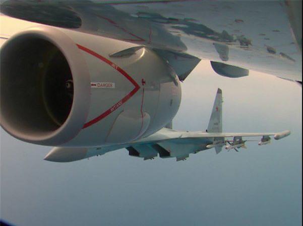 Su-35 Nga truy sát máy bay P-8 Mỹ mang 2 loại tên lửa khủng mà phi công sừng sỏ cũng sợ? - Ảnh 3.