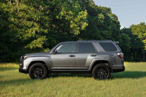 SUV Toyota siêu hầm hố, động cơ V6, giá hơn 1 tỷ đồng