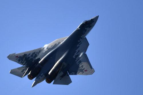 Báo Mỹ lo ngại về chế độ bay mới của 'bóng ma bầu trời' Su-57