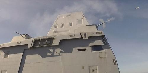 Tàu khu trục tên lửa dẫn đường USS Zumwalt (DDG 1000) tiến hành bắn đạn thật với Hệ thống vũ khí pháo Mark 46 MOD 2. Ảnh: USN.