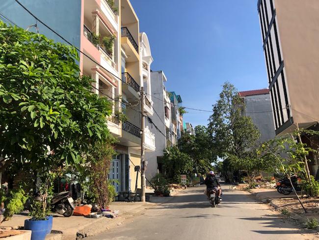 Dự án Nhà phố, chợ Bình Hưng Hòa được Công ty Mai Lành chuyển nhượng cho các cá nhân xây nhà ở, kinh doanh.