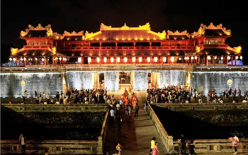 chương trình phục hồi, phát triển du lịch Thừa Thiên Huế trong bối cảnh vừa đẩy mạnh phát triển kinh tế vừa phòng chống dịch Covid-19 hiệu quả