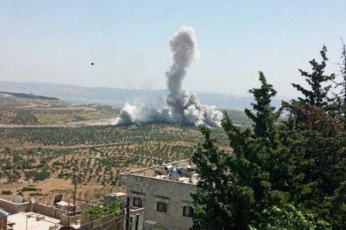 Máy bay chiến đấu Nga đã ném bom nhiều vị trí dọc biên giới Syria - Thổ Nhĩ Kỳ. Ảnh: Al Masdar News.