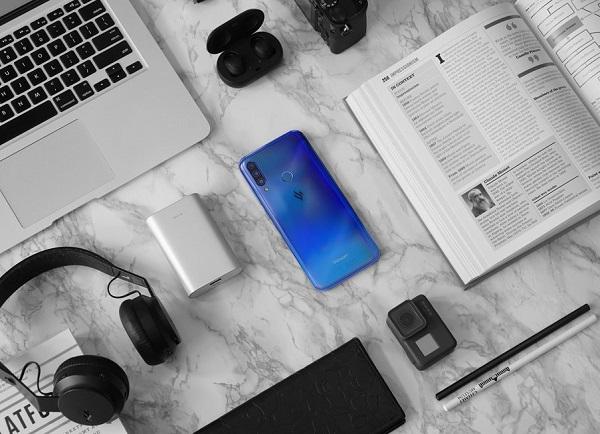 VinSmart đã giới thiệu 12 mẫu điện thoại thông minh.