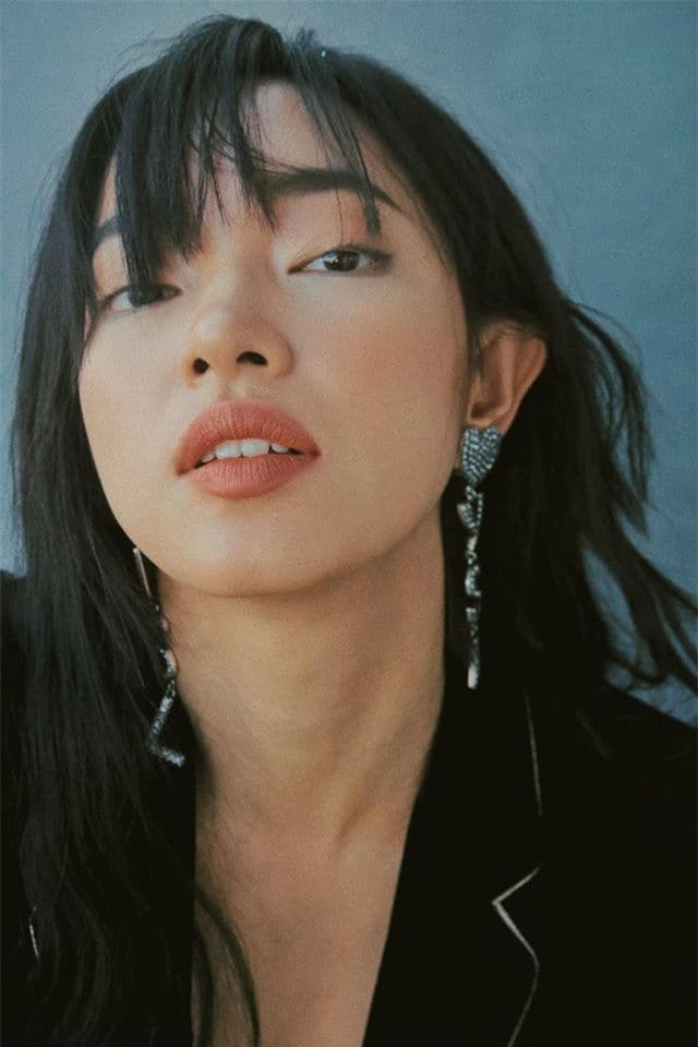 Hot girl Châu Bùi được báo Trung gọi là 'Song Hye Kyo phiên bản Việt' 4