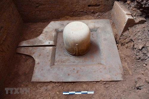 Phát hiện bộ Linga-Yoni liền khối thế kỷ IX lớn nhất Việt Nam