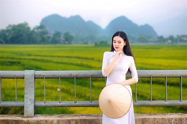 Á khôi Sinh viên Việt Nam khoe nét xuân thì bên cánh đồng lúa - 6