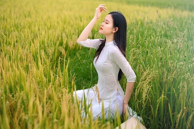 Á khôi Sinh viên Việt Nam khoe nét xuân thì bên cánh đồng lúa - 7