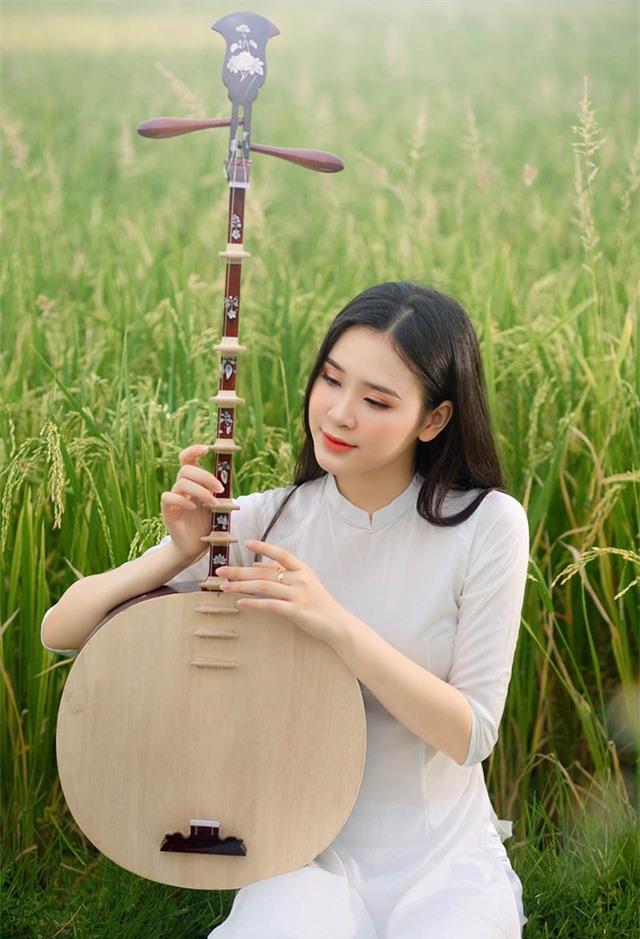 Á khôi Sinh viên Việt Nam khoe nét xuân thì bên cánh đồng lúa - 9