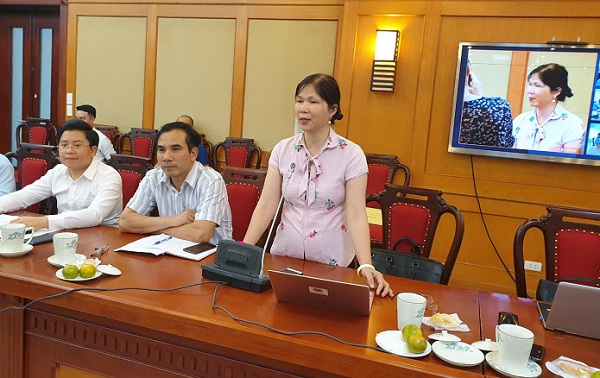 Bà Phạm Thị Lý - GĐ Trung  tâm Doanh nghiệp Phát triển và Hội nhập phát biểu tại Hội nghị