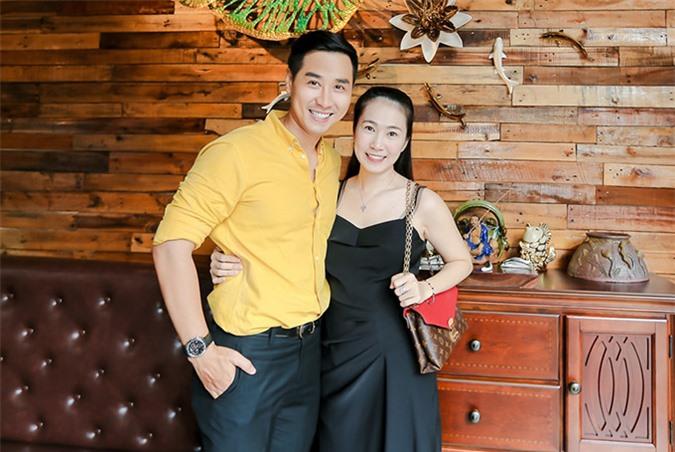 MC Thanh Thảo ủng hộ đồng nghiệp thử sức kinh doanh ở lĩnh vực ẩm thực.