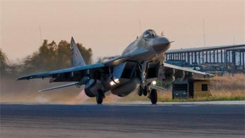 GNA xac nhan: Phi doi Su-35, MiG-29SMT den Libya thuoc ve Nga
