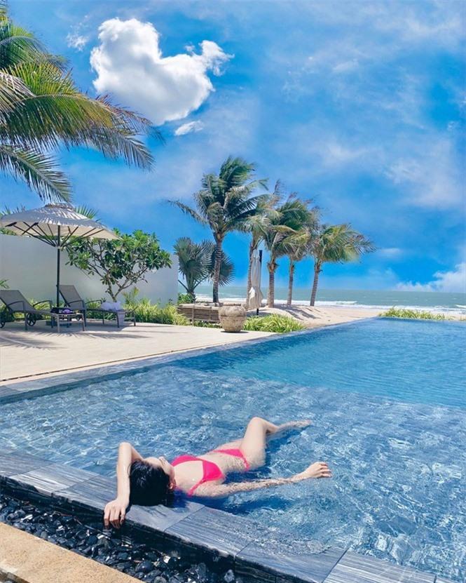 Thuý Ngân 'Gạo nếp gạo tẻ' diện bikini hồng rực bãi biển, dáng nuột nà đáng ghen tỵ - ảnh 7