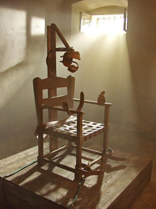 Chiếc ghế điện ở nhà tù Auburn.