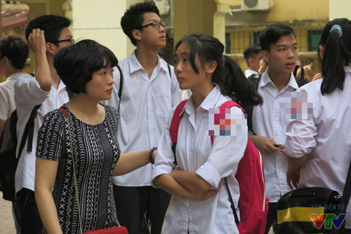 Thí sinh làm thủ tục đăng ký dự tuyển vào lớp 10 Hà Nội cần lưu ý những điều này