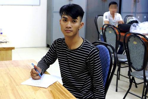 Lâm Đồng: Phát hiện lựu đạn, kiếm Nhật, áo chống đạn tại nhà đối tượng tàng trữ ma túy