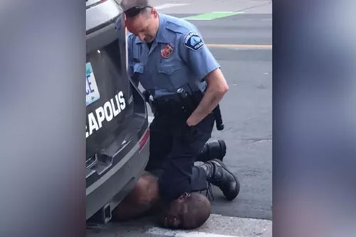 Vụ cảnh sát ghì chết người da màu: Hung thủ đối mặt với án tù 1/4 thế kỷ