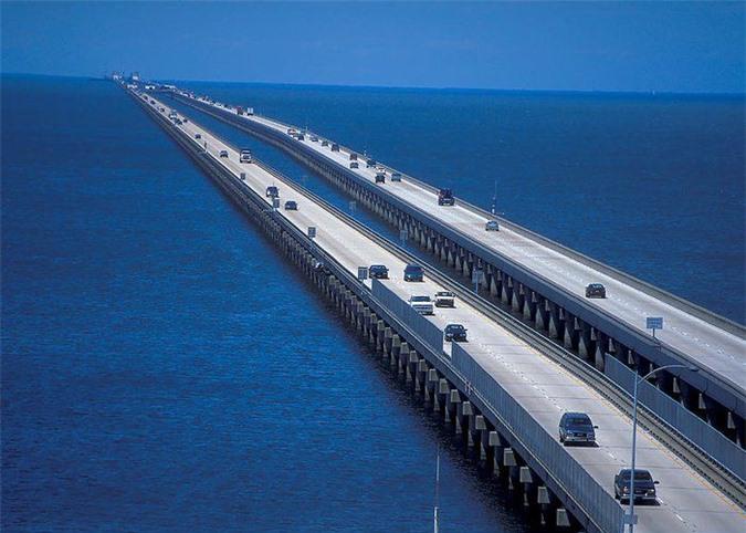 Cận cảnh cây cầu dài nhất thế giới: Đi mãi không đến nơi khiến bà bầu đẻ ngay trên cầu - Ảnh 5.