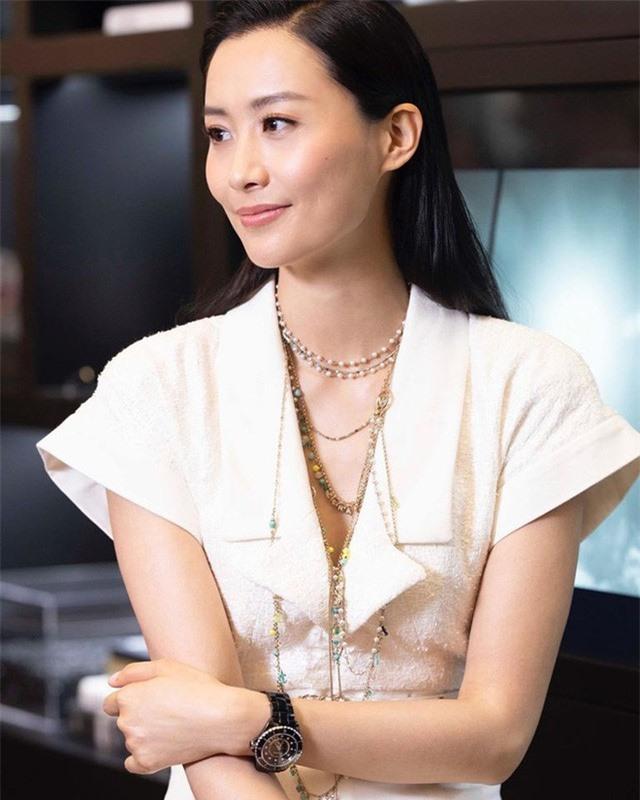 Nhan sắc gợi cảm của Hoa hậu TVB đầu tiên đóng bom tấn Marvel - Ảnh 2.