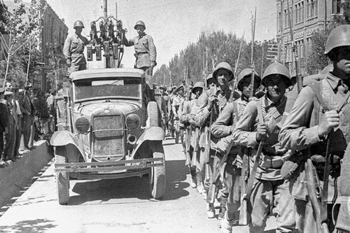 Liên Xô đưa quân đánh chiếm Iran ngay lúc phát xít Đức tiến sát Moscow