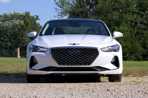 Top 10 xe hơi hạng sang đáng tin cậy nhất năm 2020: Genesis G70 đầu bảng