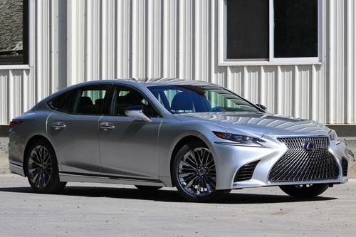 5. Lexus ES 2020.