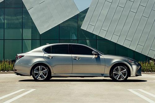 7. Lexus GS 350 2020.