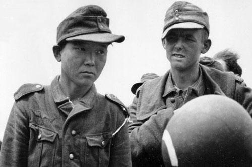 Yang Kyoungjong khi bị quân đội Mỹ bắt giữ vào năm 1944. (Ảnh: RHP)
